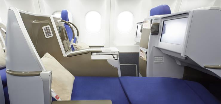 Business Class fully lie-flat seat