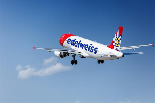 Edelweiss A320 Take Off at Zurich Airport